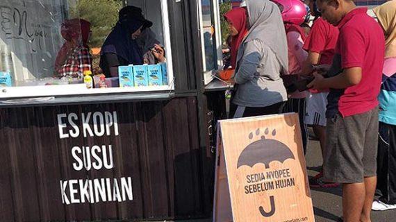 Es Kopi Susu Kekinian Nyopee sekarang ada di Sukarami Palembang